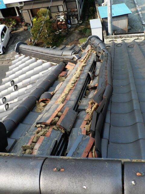 屋根修理詐欺 瓦