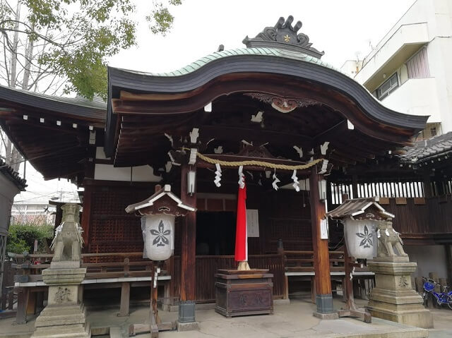 比売許曽神社 拝殿