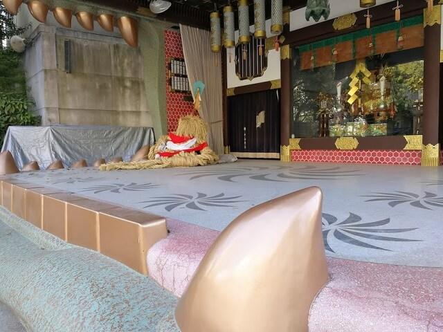 難波八阪神社 獅子殿 舞台