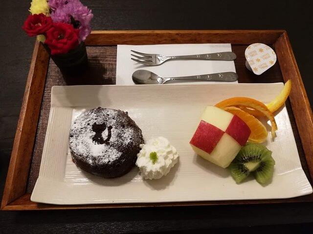 神戸中華街 占いカフェ 黒ねこさん フォンダンショコラ